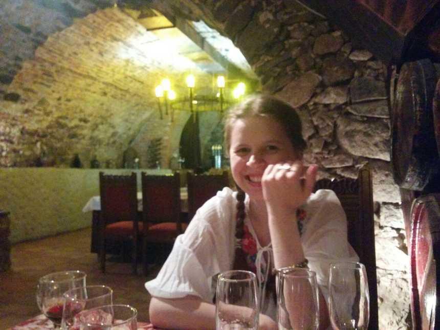 Хельга Ластівка Ужгородський замок дегустація вина